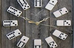 12 DIY Craft Ideas to Repurpose Old Game Boards to Sell